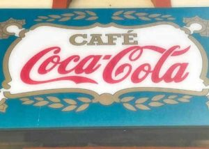 THINGS TO DO IN PANAMA: Cafe Coca Cola in Panama City | VISTACANAS.COM