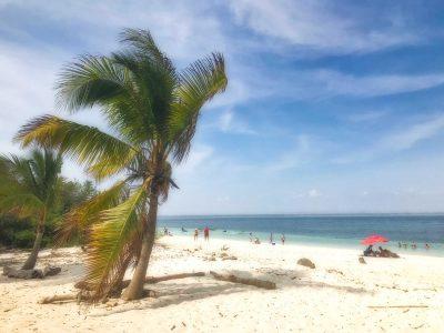 El Cirial Beach on Isla Iguana | VISTACANAS.COM