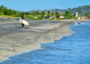 THINGS TO DO IN PLAYA VENAO: Take surfing lessons in Playa Venao | VISTACANAS.COM