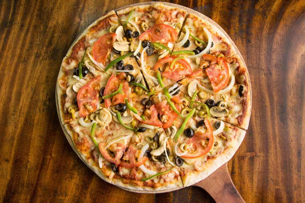 Playa Venao Restaurants — Pizza Gavilan | VISTACANAS.COM