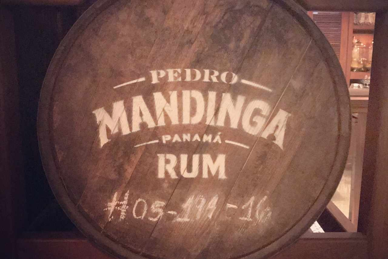THINGS TO DO IN PANAMA CITY: Rum Tasting at Pedro Mandinga Rum Bar | VISTACANAS.COM