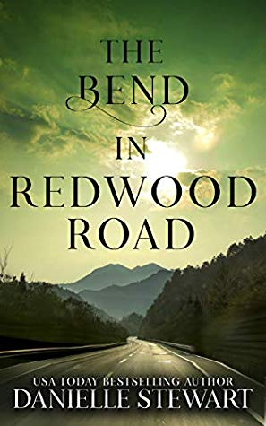 The Bend in Redwood Road by Danielle Stewart | VISTACANAS.COM