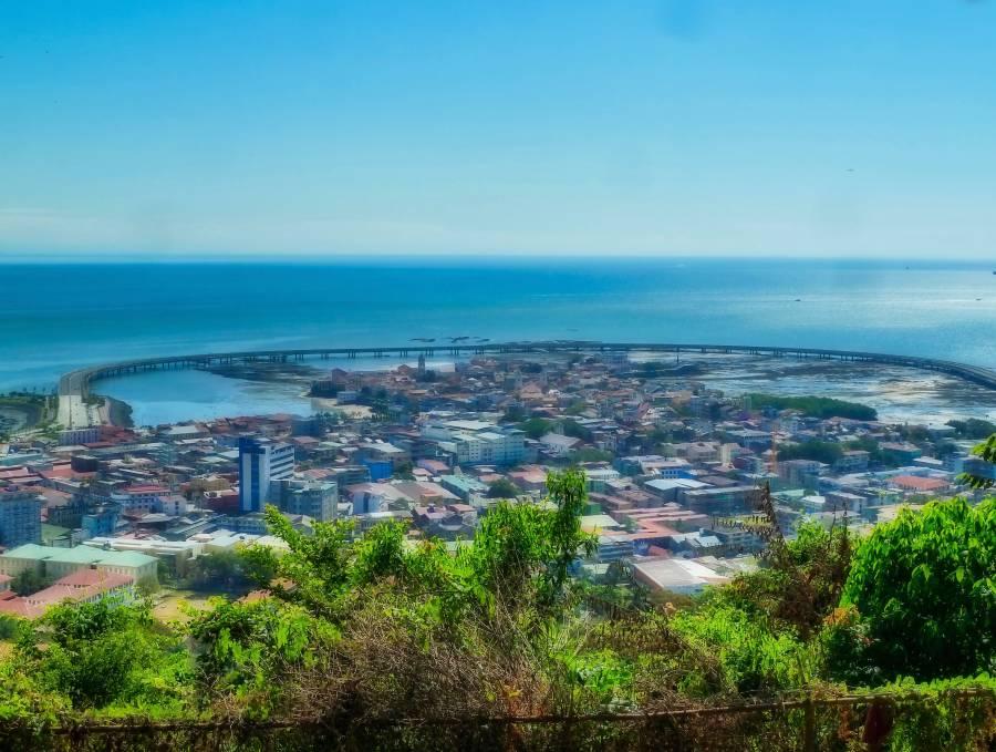 view of casco viejo from cerro ancon in panama city | VISTACANAS.COM